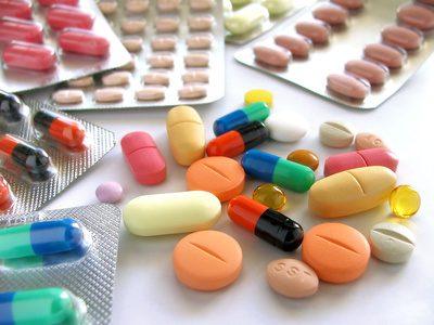 Anti-inflammatoire : quand utiliser les non stéroïdiens et quand opter pour les stéroïdiens ?
