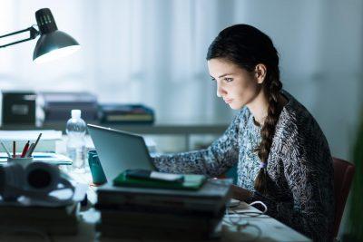 Adopter les bonnes postures au bureau