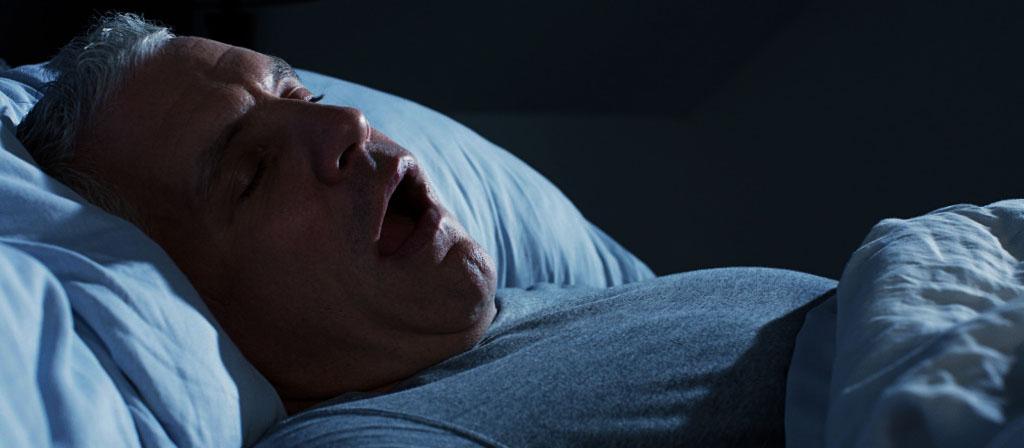 Ronflements : causes et traitements du phénomène nocturne